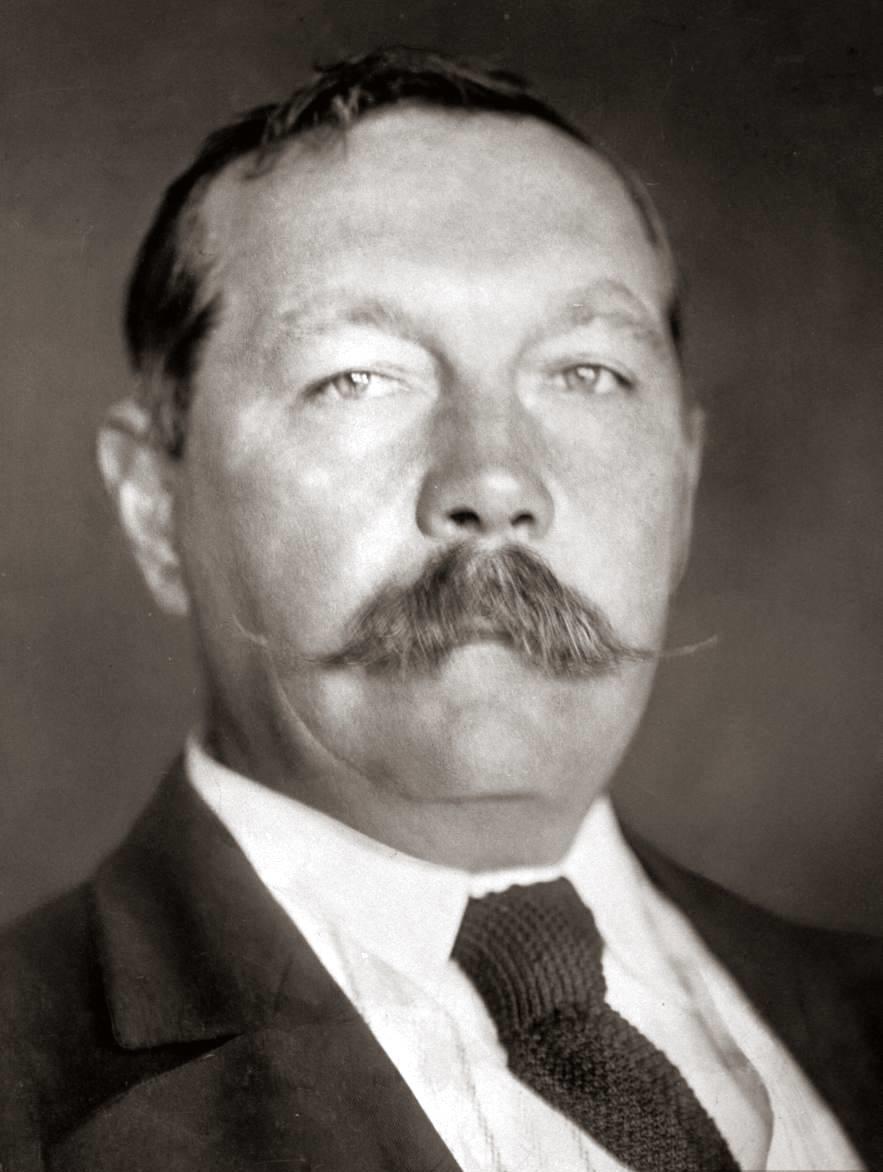 Arthur_Conan_Doyle_by_EO_Hoppe_1912.jpg