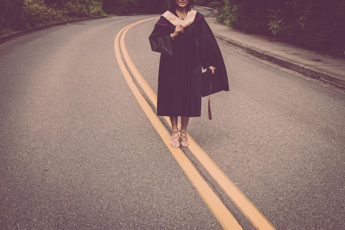 graduation-2613175_1920 2